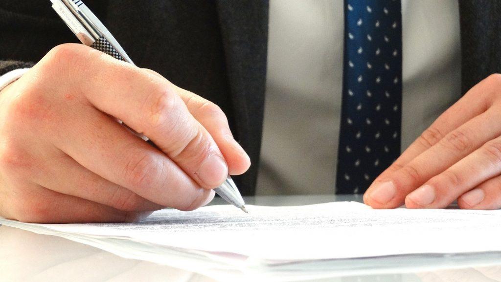 איך מתרגמים- מסמכים משפטיים