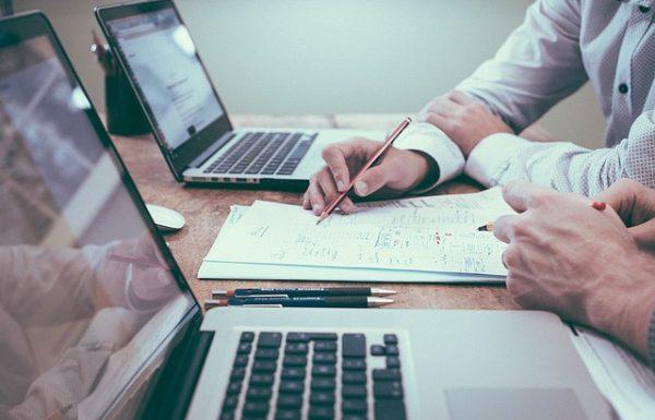איך אפשר להוזיל את הוצאות העסק ללא פגיעה בשירות